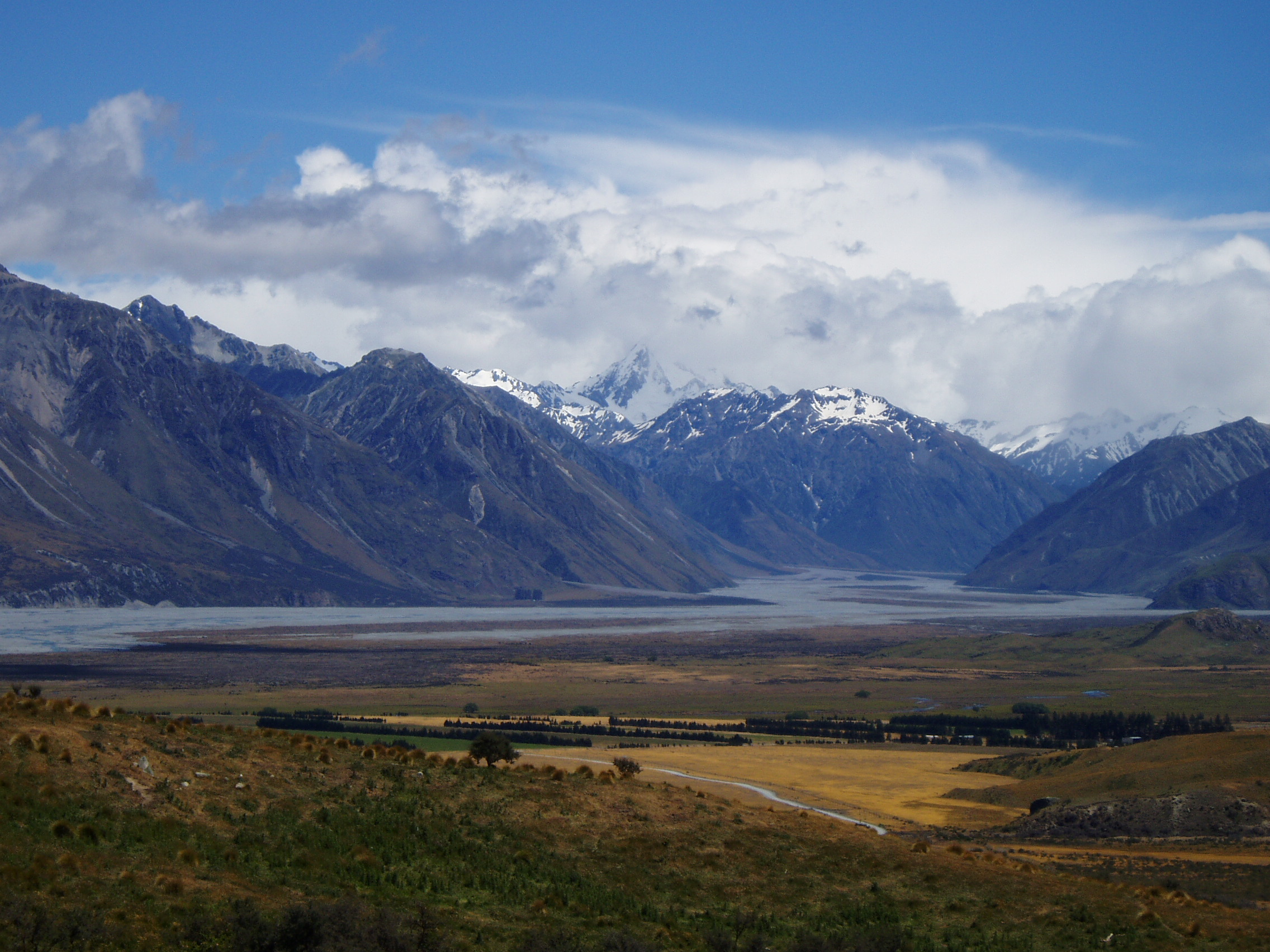 Rangitata Valley, film site for Edoras.