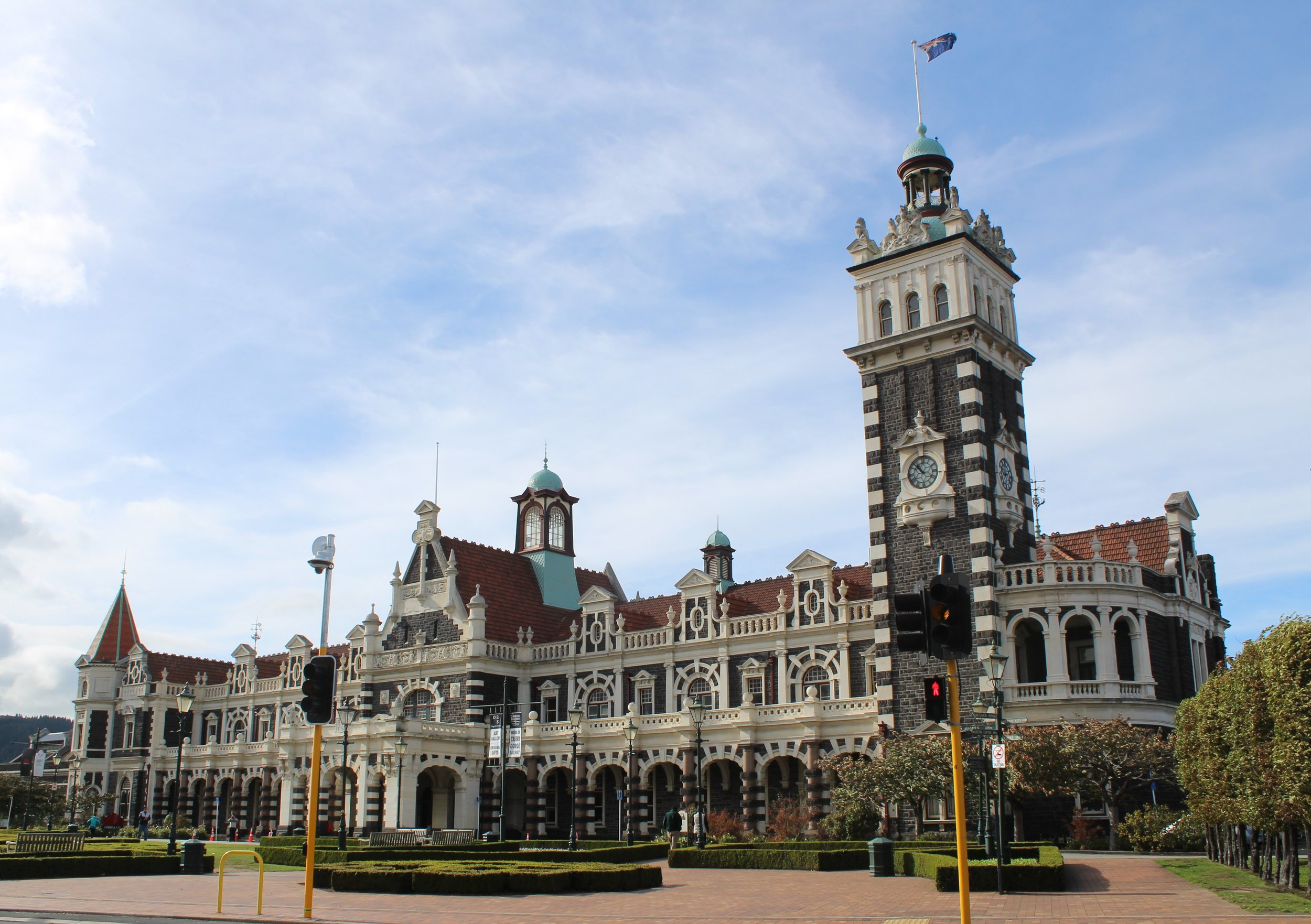 Dunedin railway station.jpg
