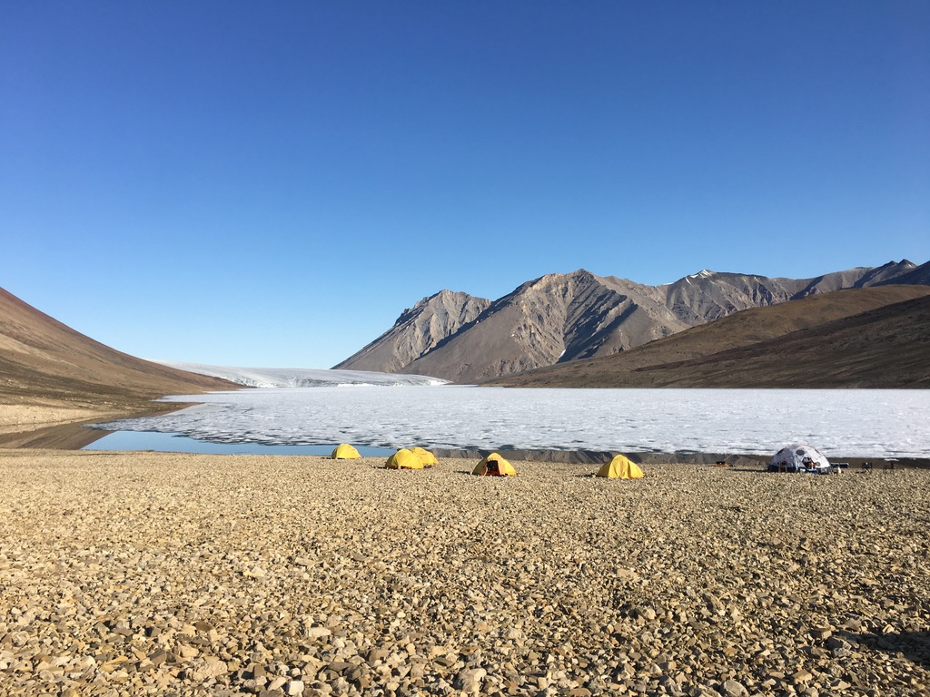 Fly camp at Thores Lake. Where is the fog?