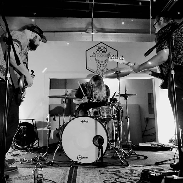 Thank you to everyone for coming out to our show at @iron_cow_cafe on Wednesday We had a blast and hope you did too ☯️ Our next show is August 10th with #brunchsluts + tba at @louslmga  Photo by @popsicleheart  #radicalizedyouth #ironcow #milkdistrict #orlandomusicscene