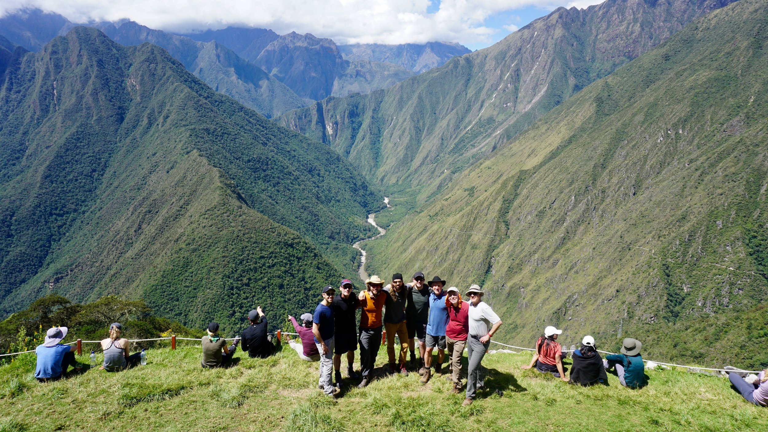 Group photo at Wiñay Wayna