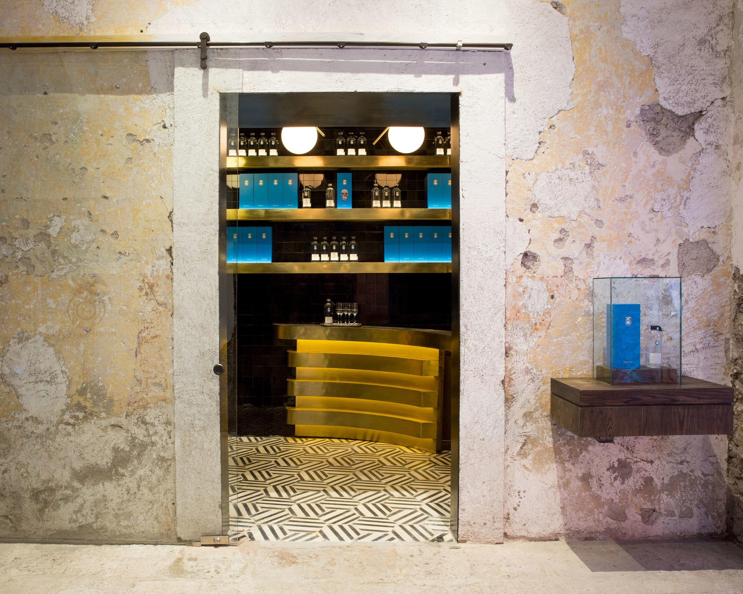 Feel like a giant at one of the smallest, teeny tiny bars on Earth (BonAppetit.com)