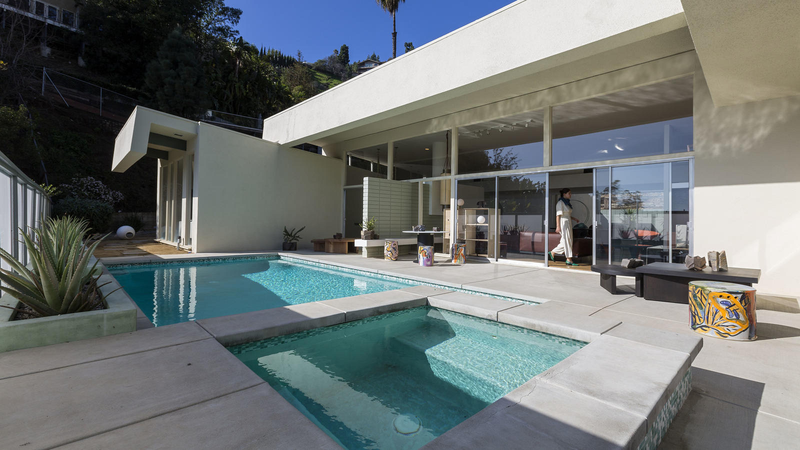 Casa Perfect: A glamorous Hollywood Hills setting for L.A.'s newest design destination (Los Angeles Times)