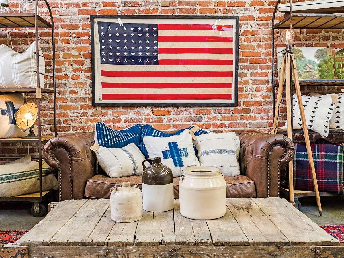 Shopper's Paradise: Charleston, Palm Beach, The Hamptons, Portland ME & Santa Barbara (Coastal Living)