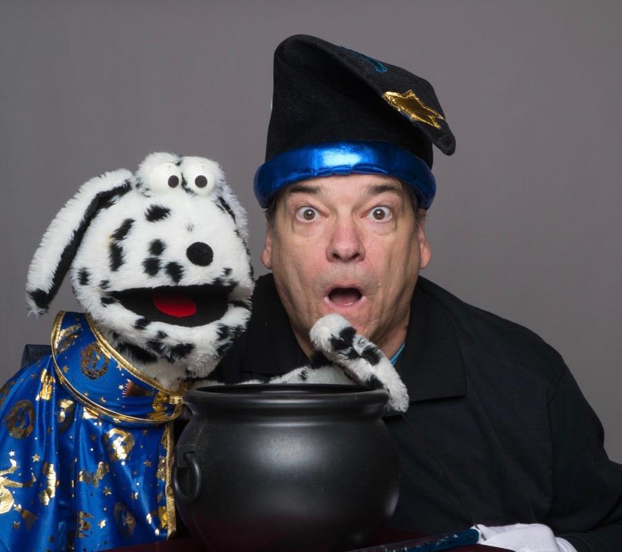 Digger and David in The Magic Pot.