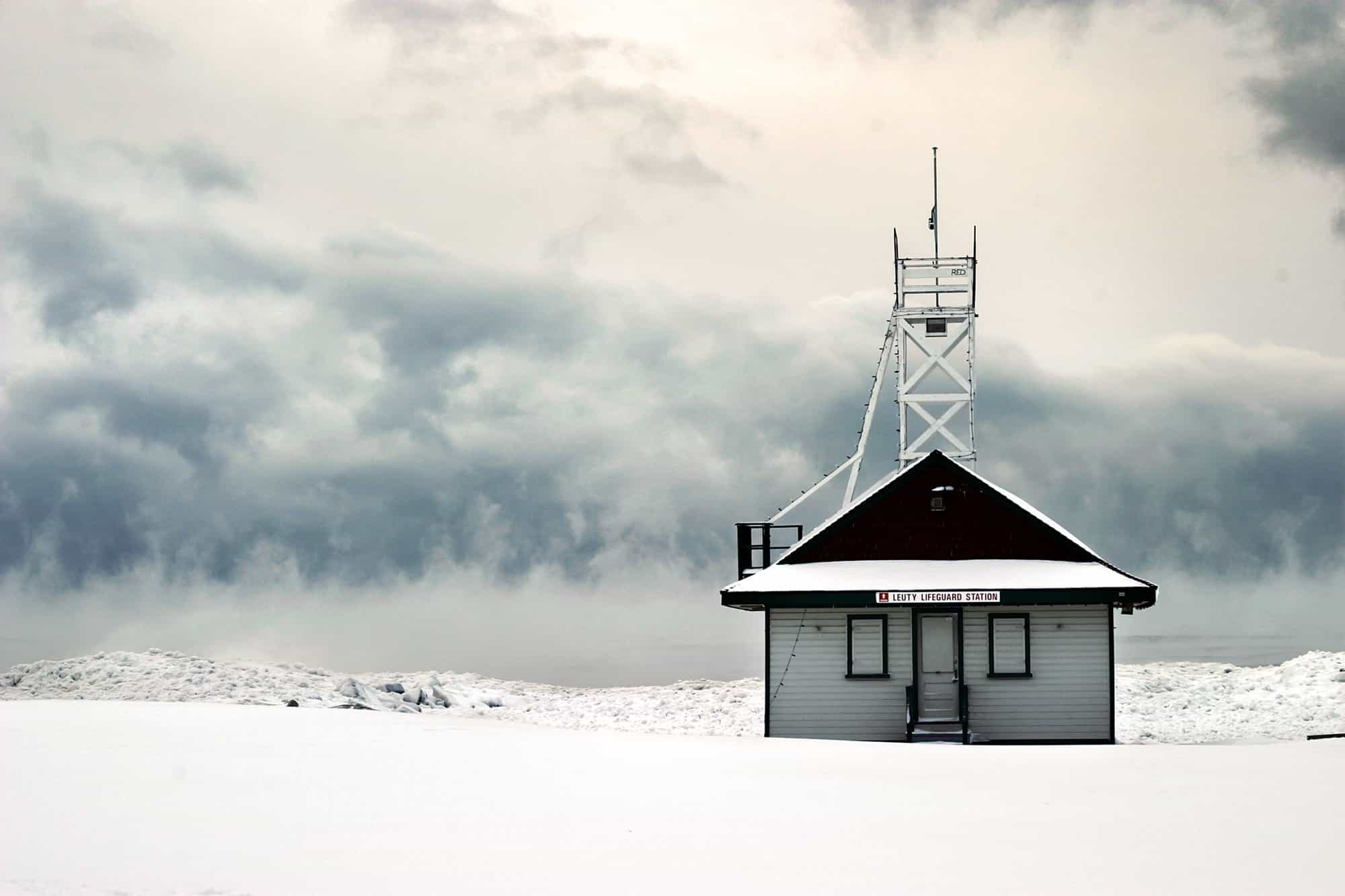 snow-covered-lifeguard-station_4460x4460-min-min.jpg