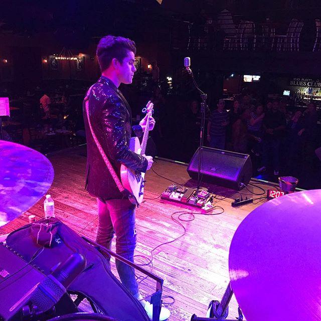 @drewwilliamsmusic  Killed that jacket last night🙌🏾🙌🏾 sorry @kristhomasmusik 😂😂 #orlandomusicians