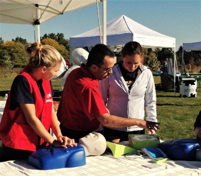 Hands-Only CPR at AHA's Heart Walk