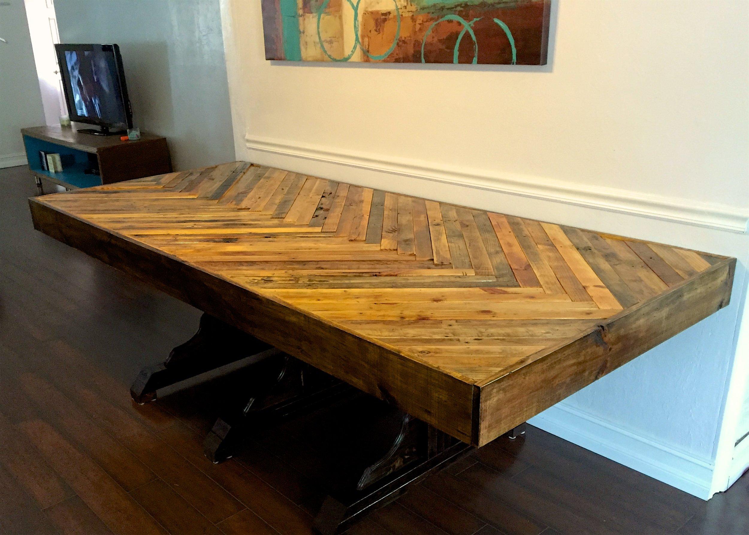 Reclaimed Wood - Pallet Grand FarmHouse Table