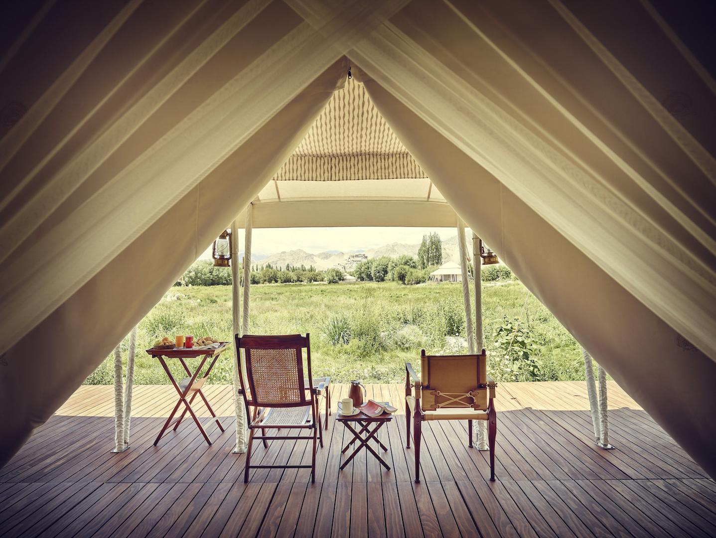 gt-luxury-suite-tent-white-verandah-01_highres.jpg