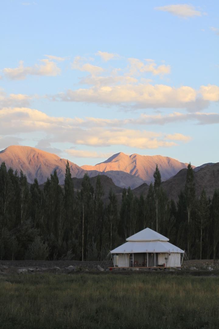 gt-luxury-suite-tent-white-exterior-08_highres.jpg
