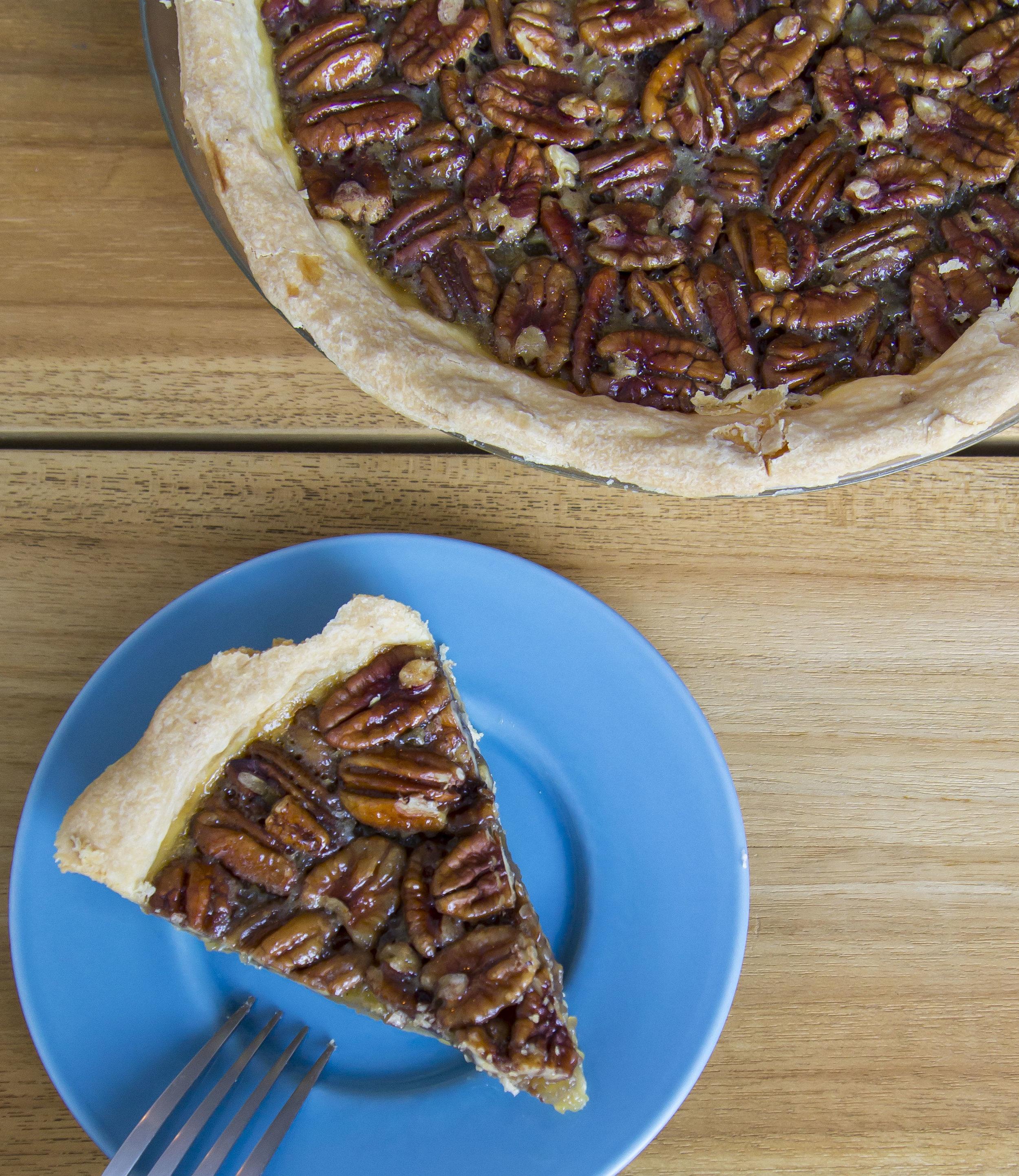 Pecan Pie  | 45 (pcs) / 320 (whole pie)