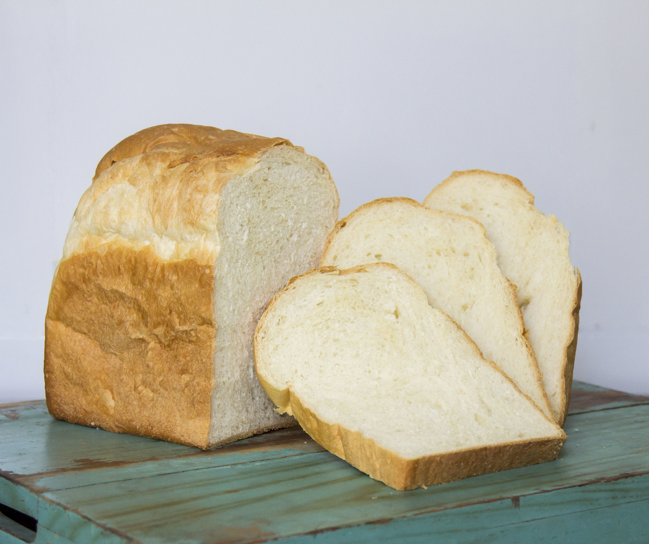 Country White Bread  | 15 (slice) / 70 (loaf)