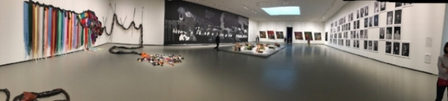 Those Frenchies know how to put an art exhibit together.