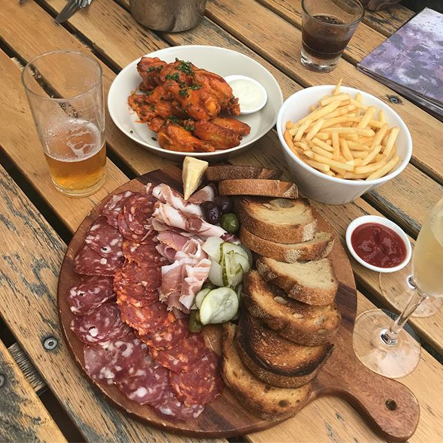 ATTN MELBOURNE 🙈 I am coming! So excited to go back and eat all the delicious food! Let me know some places to check out! This is my favourite Charcuterie board at the @woolshedmelb 😍