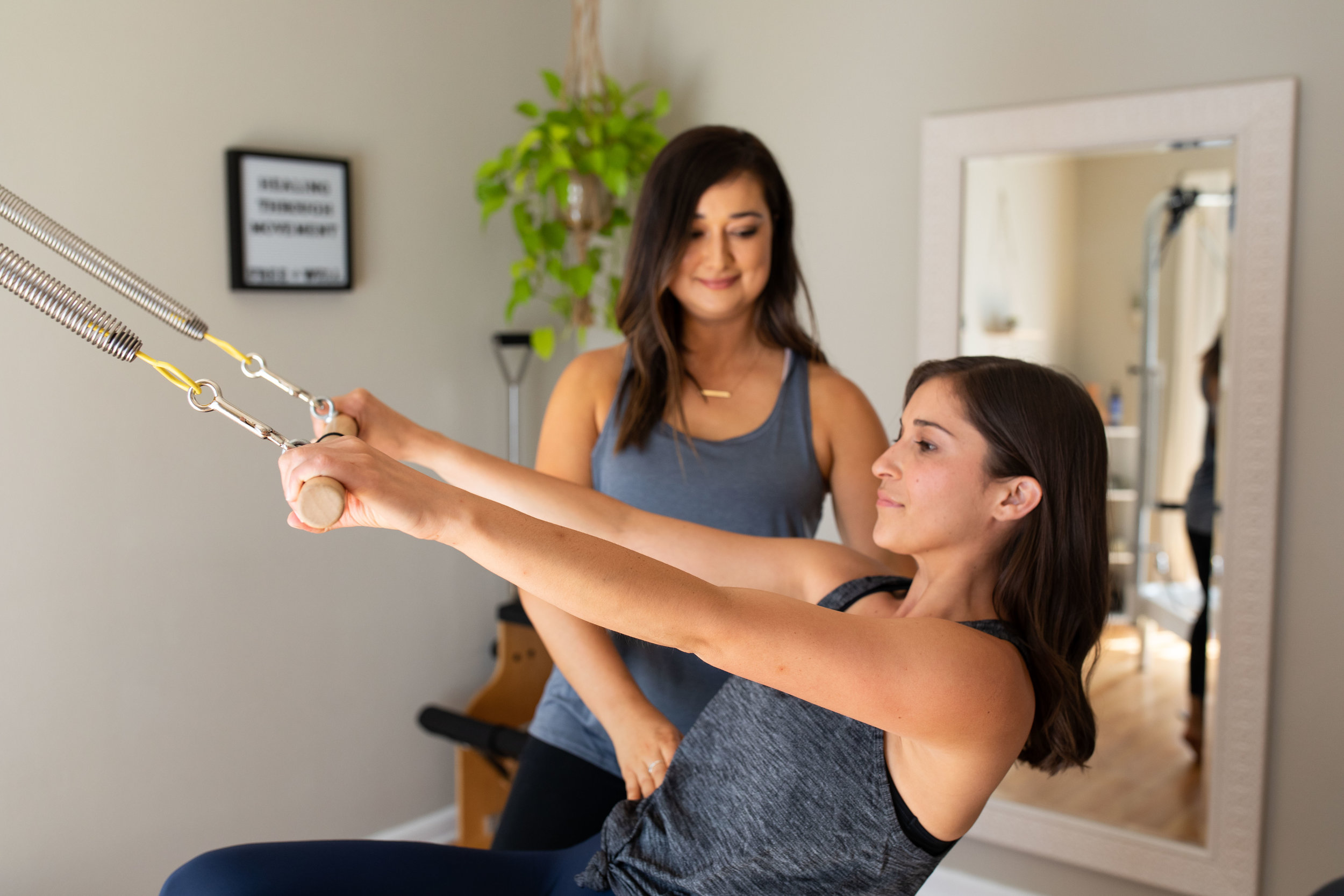 private sessions - Enjoy one-on-one training that is specifically tailored to your body's needs and your fitness goals during a 55-minute session.