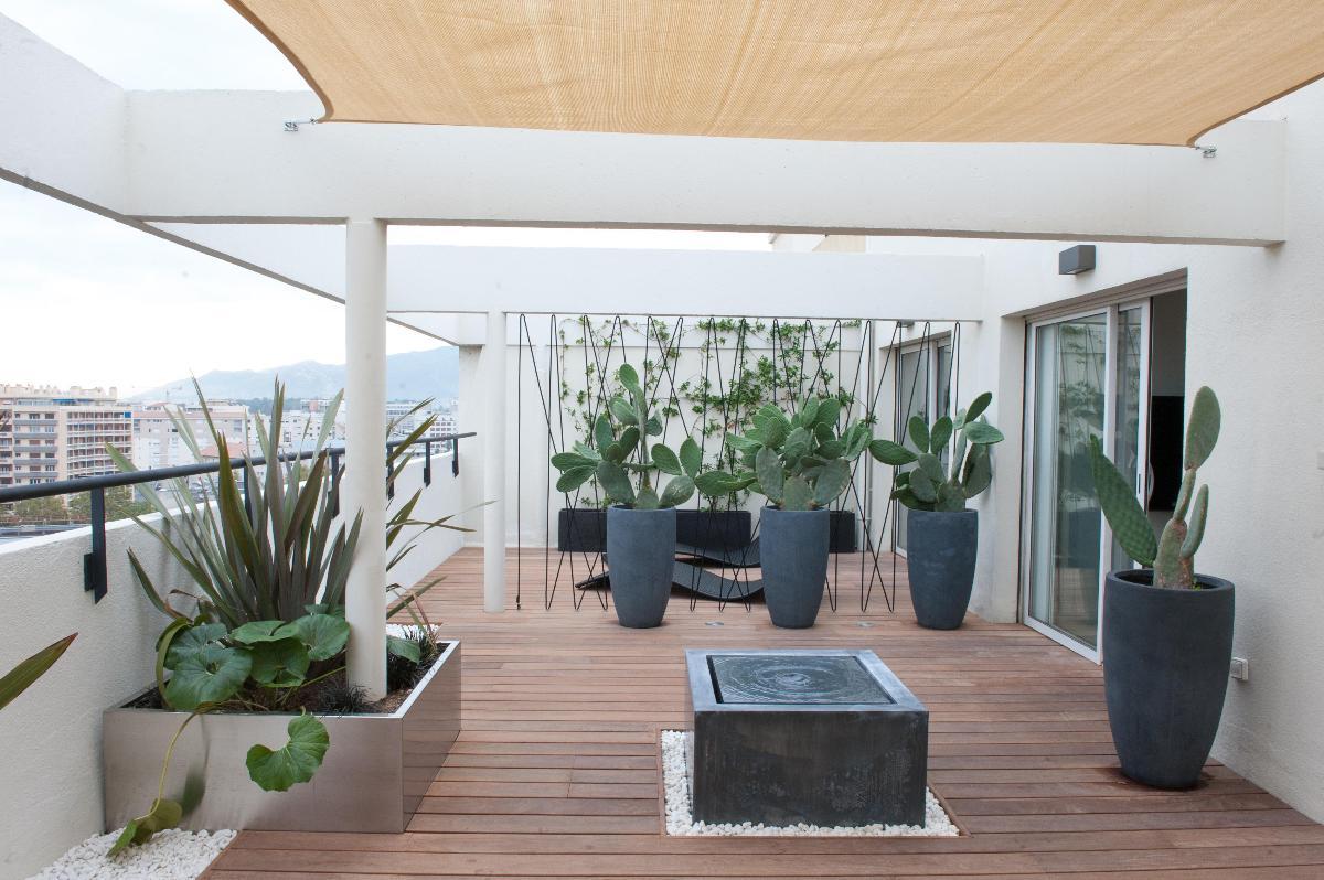 <h2>Balcon aménagement bois</h2>
