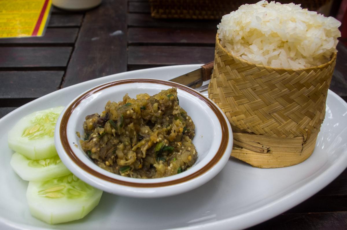 9. Jeow Tam makhuea (Eggplant dip)