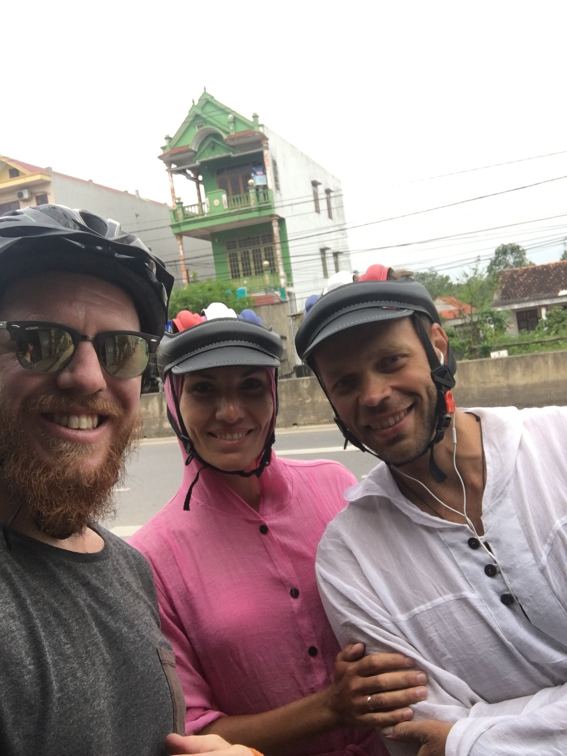 Meeting and chatting with other cyclists from Russia