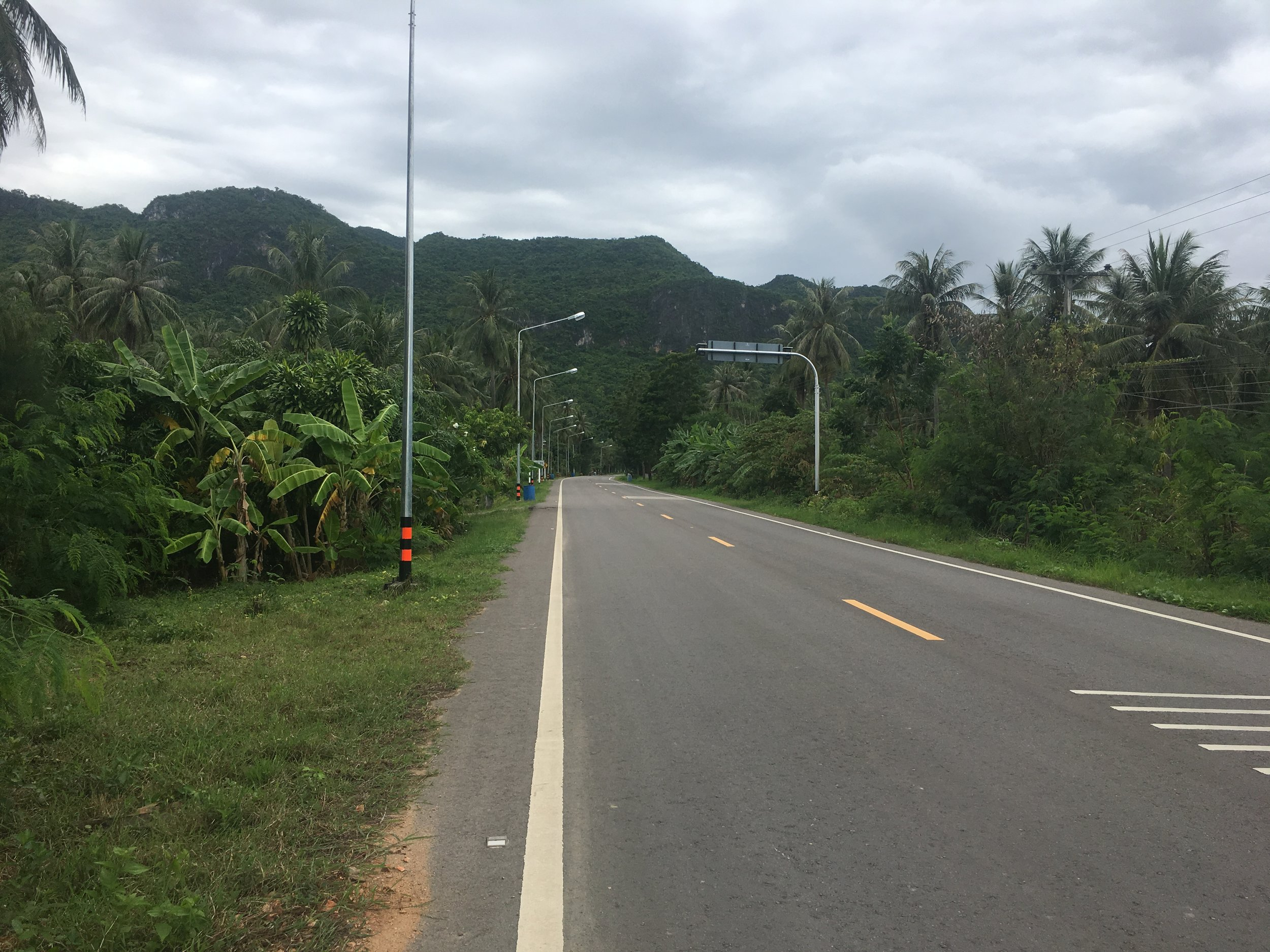 The quiet roads leading to Sam Roi Yot National Park