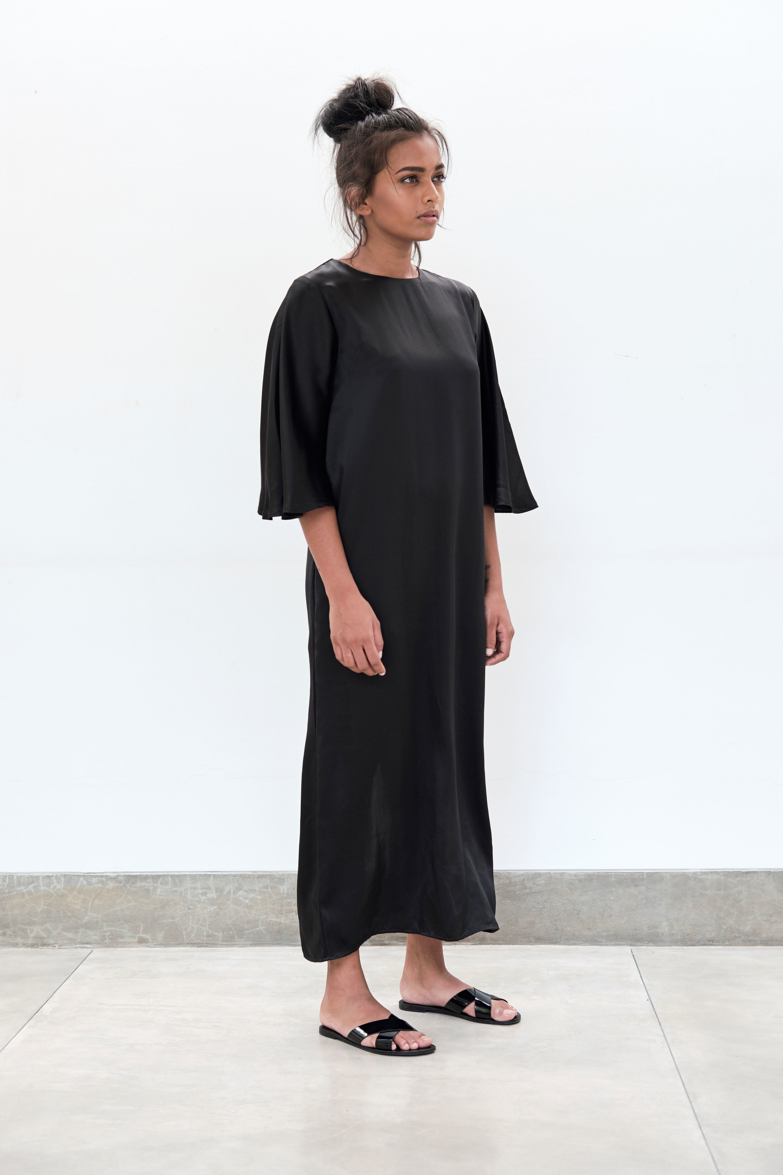 Yaara-Gown---black.jpg