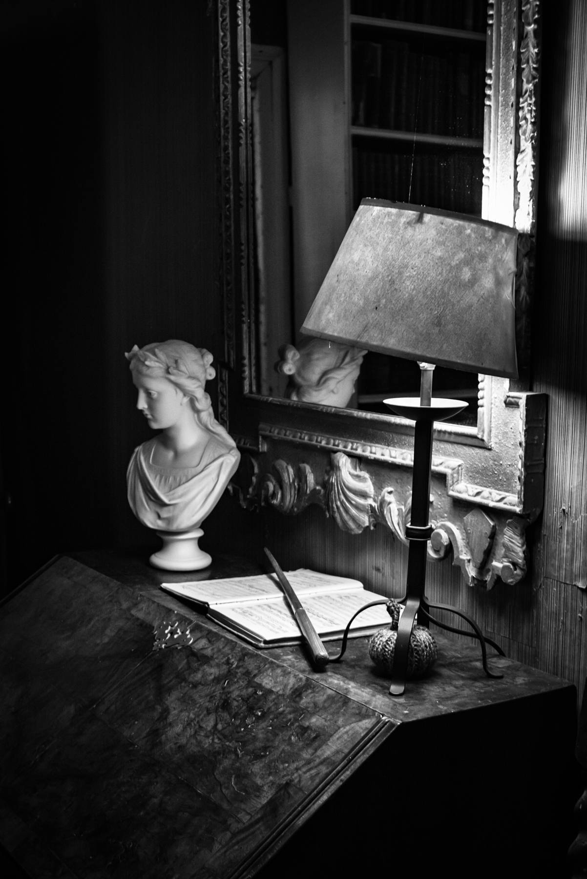 John Eaton _ Series In English Country Houses _ Untitled-2.jpg