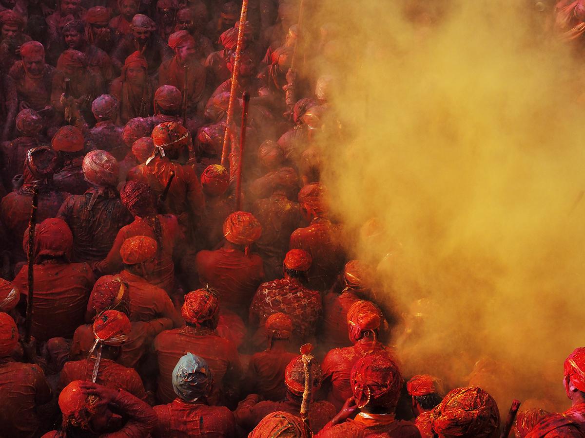 RanjanRamchandani_Holi_Shower of color powder.jpg