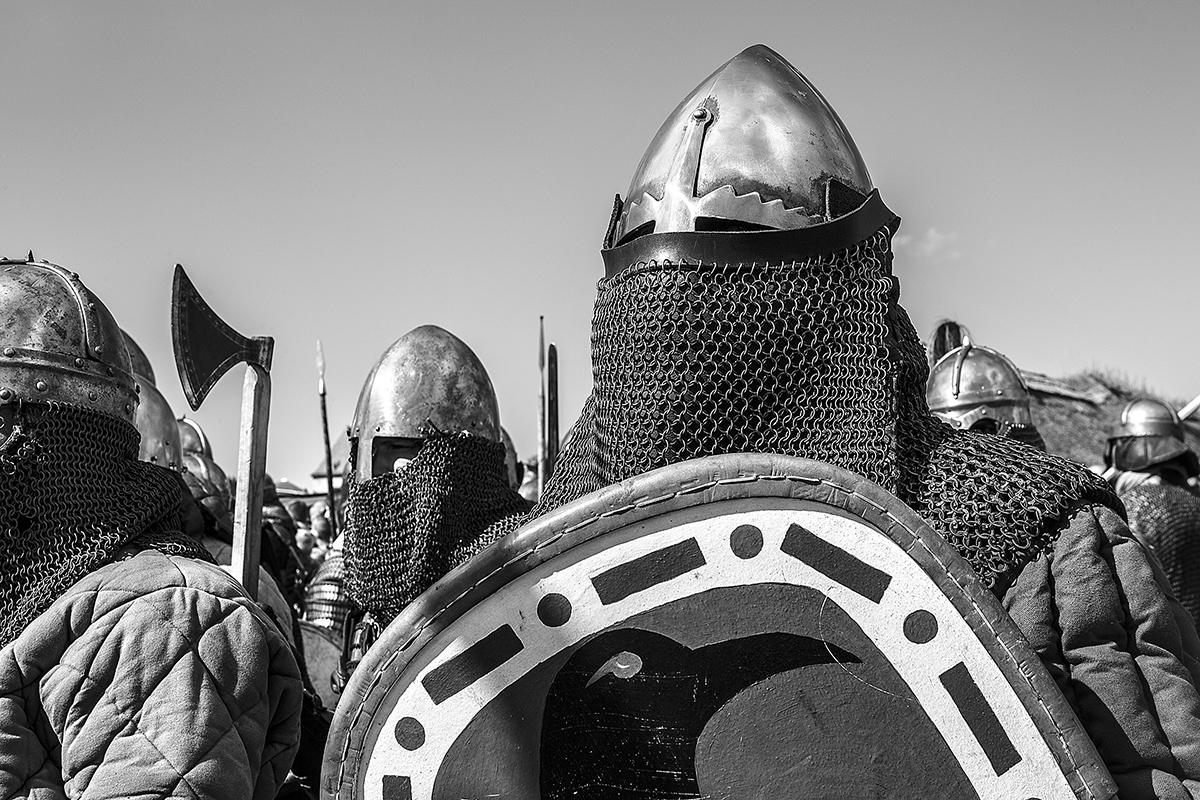Boguslaw Maslak_Slavic & Viking Festival_02 Armored Knights.jpg