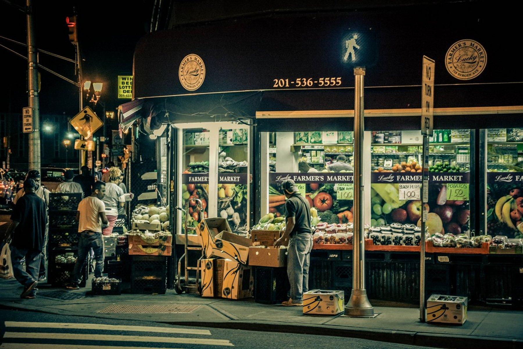 Eldred_Boze_JerseyCityStreets_3BergenStreetFruitMarket.jpg