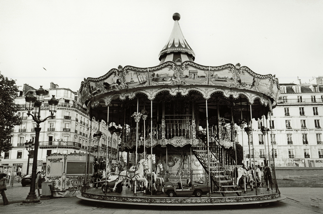 Mia Wisnoski_Carousel Hotel de Ville_Paris Streets Series.jpg