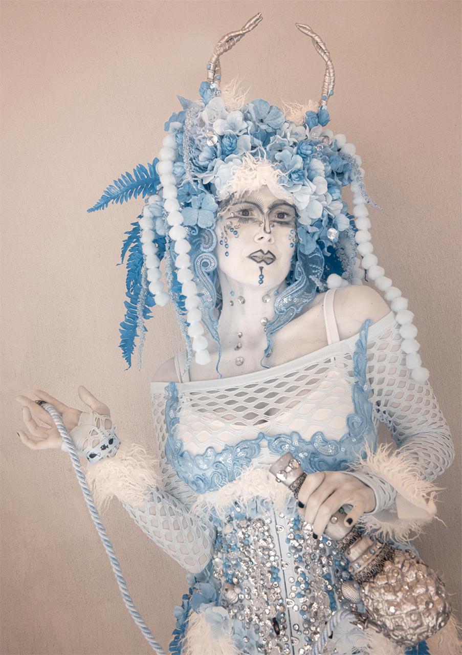 TerriGold_MermaidwitHookah.jpg