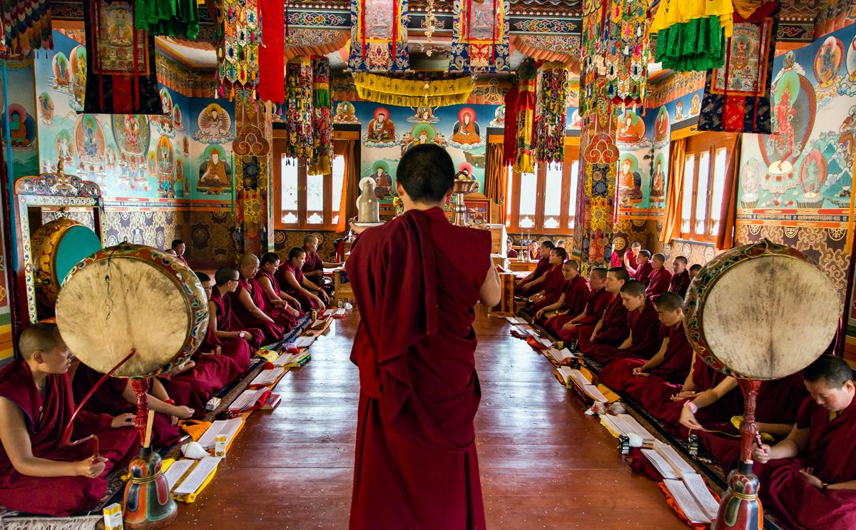 MartineMichaud_BhutanNuns_Temple.jpg