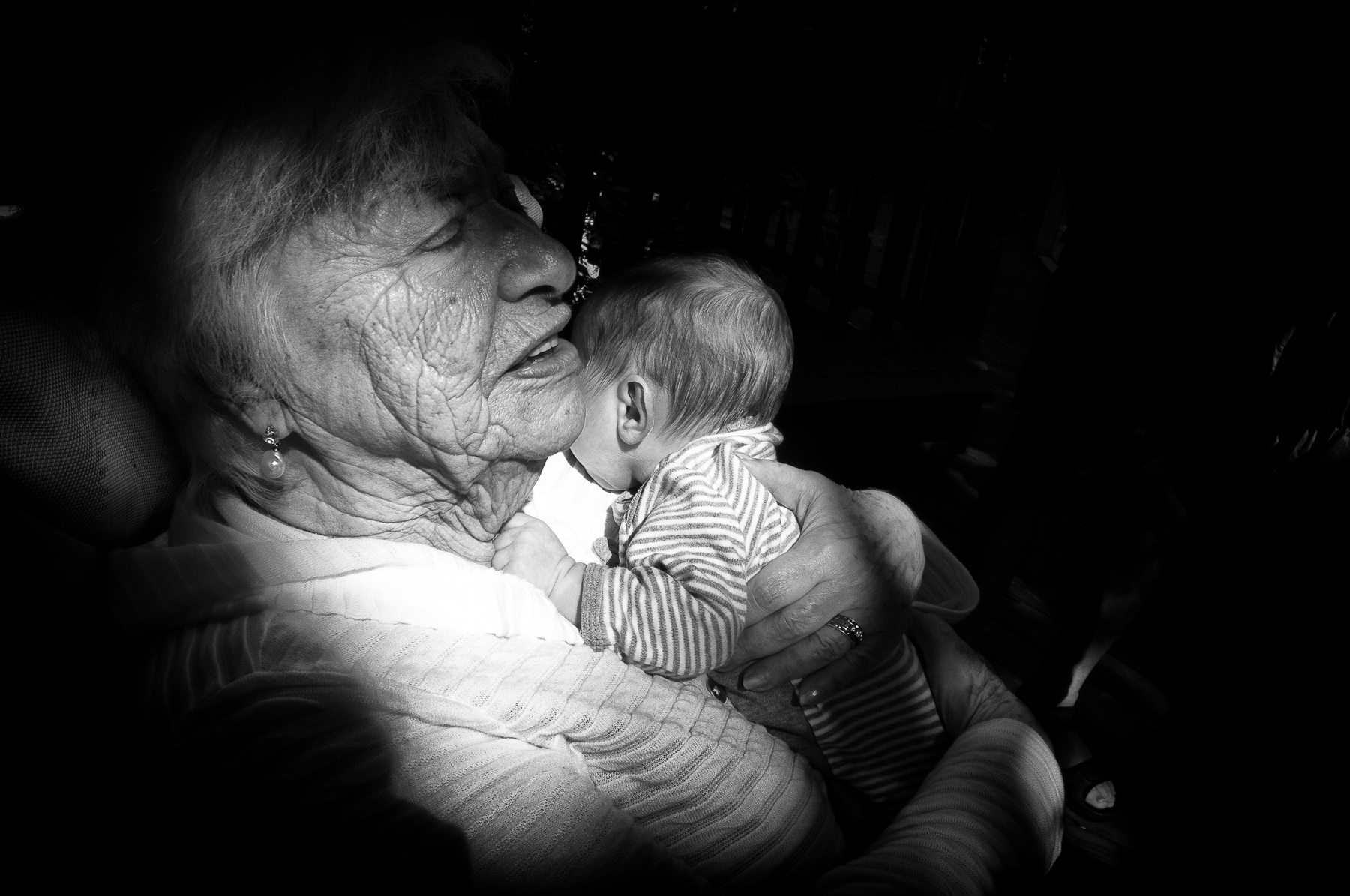 Beata Wolniewicz_Holding the fourth generation.jpg