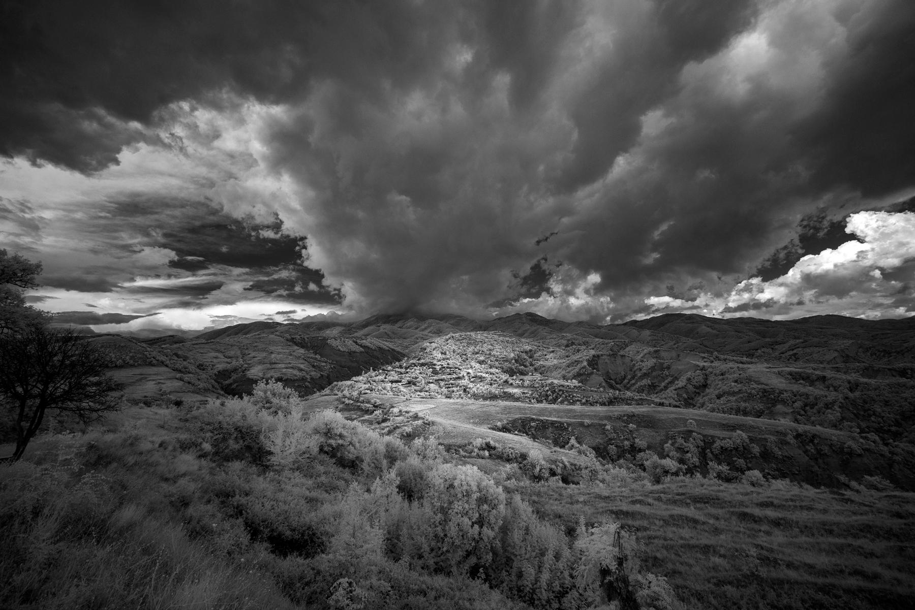 Pepe_Pax_The Pirin Mountain Range from Gorna Sushitsa.jpg