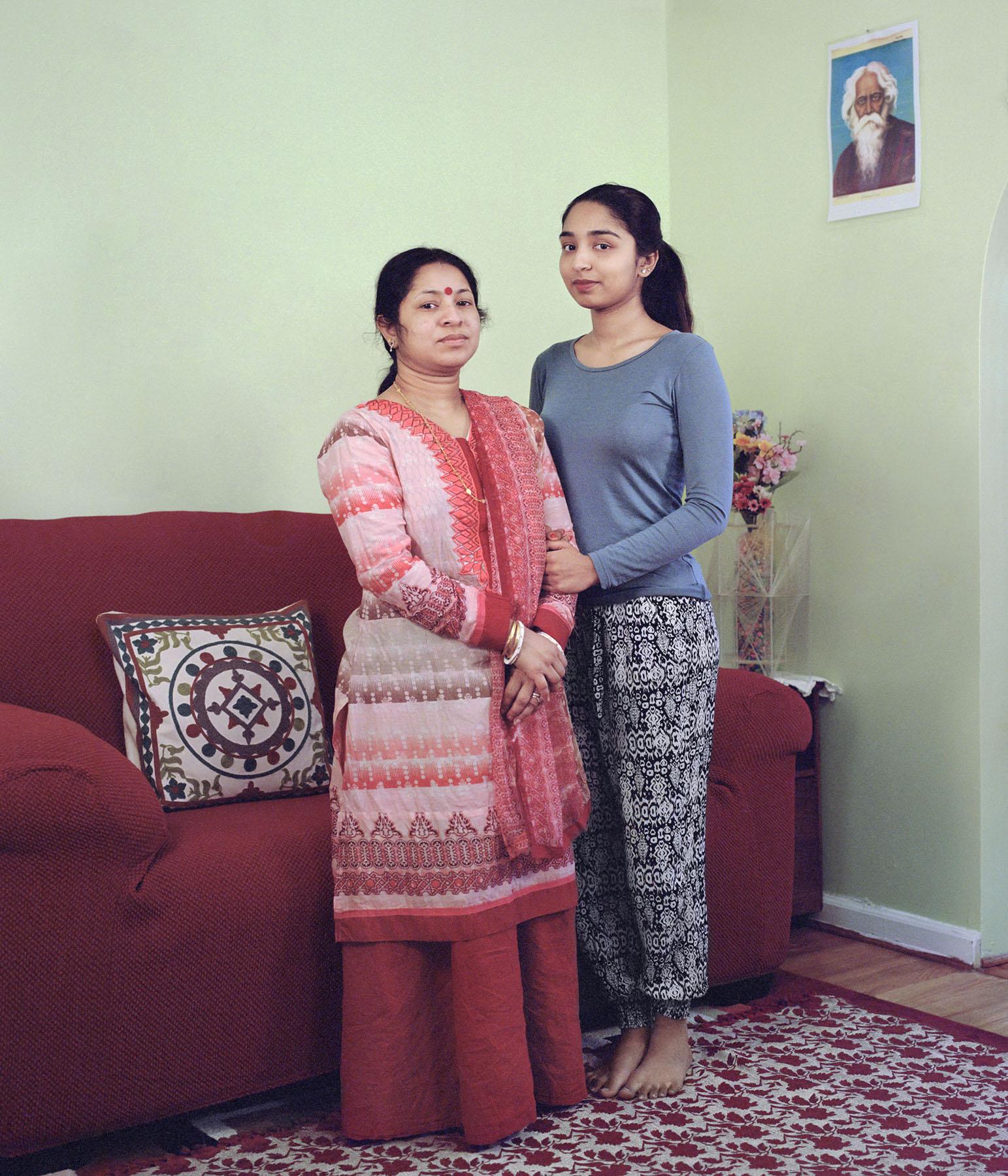 Eva_Ermert_Mothers&Daughters_Alaka&Orjita_4.jpg