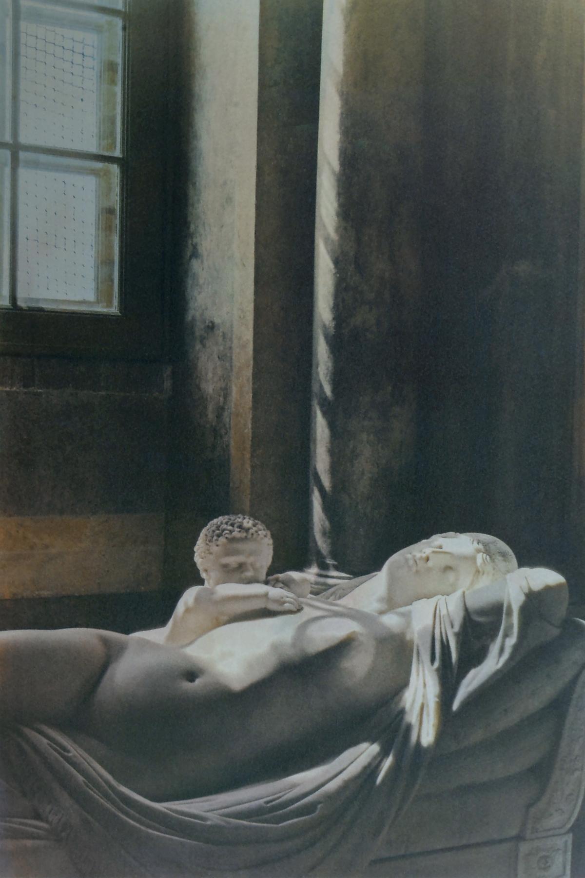 Maria_Vinogradova_Alone in a Palace_Museum Attendant's Midsummer Dream_2.jpg