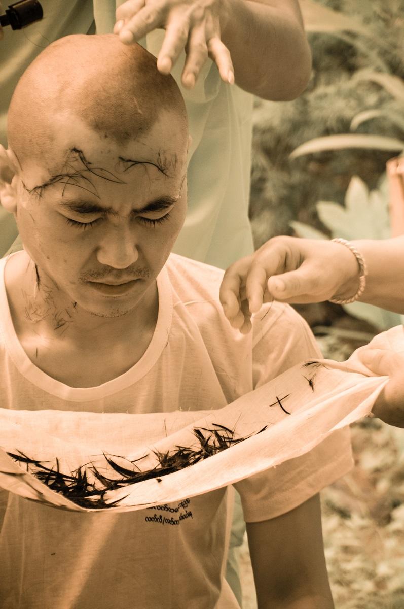 43_Kathleen_Gerber_Monk Shaving Cerimony.jpg