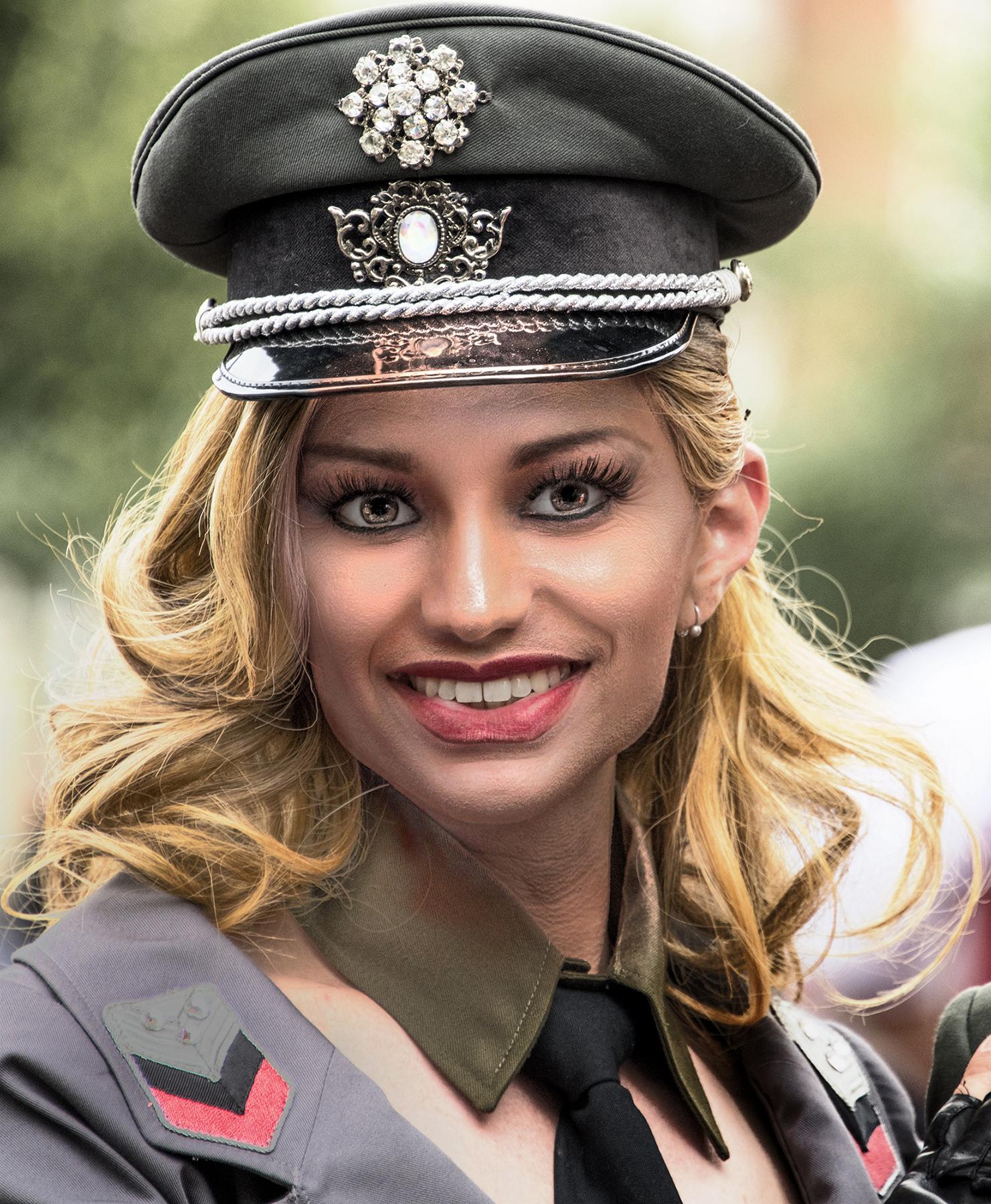 MICHAEL_WINTERS_VIENNA_PARADE_PARTICIPANT_LGBT_MARCHER_1.JPG