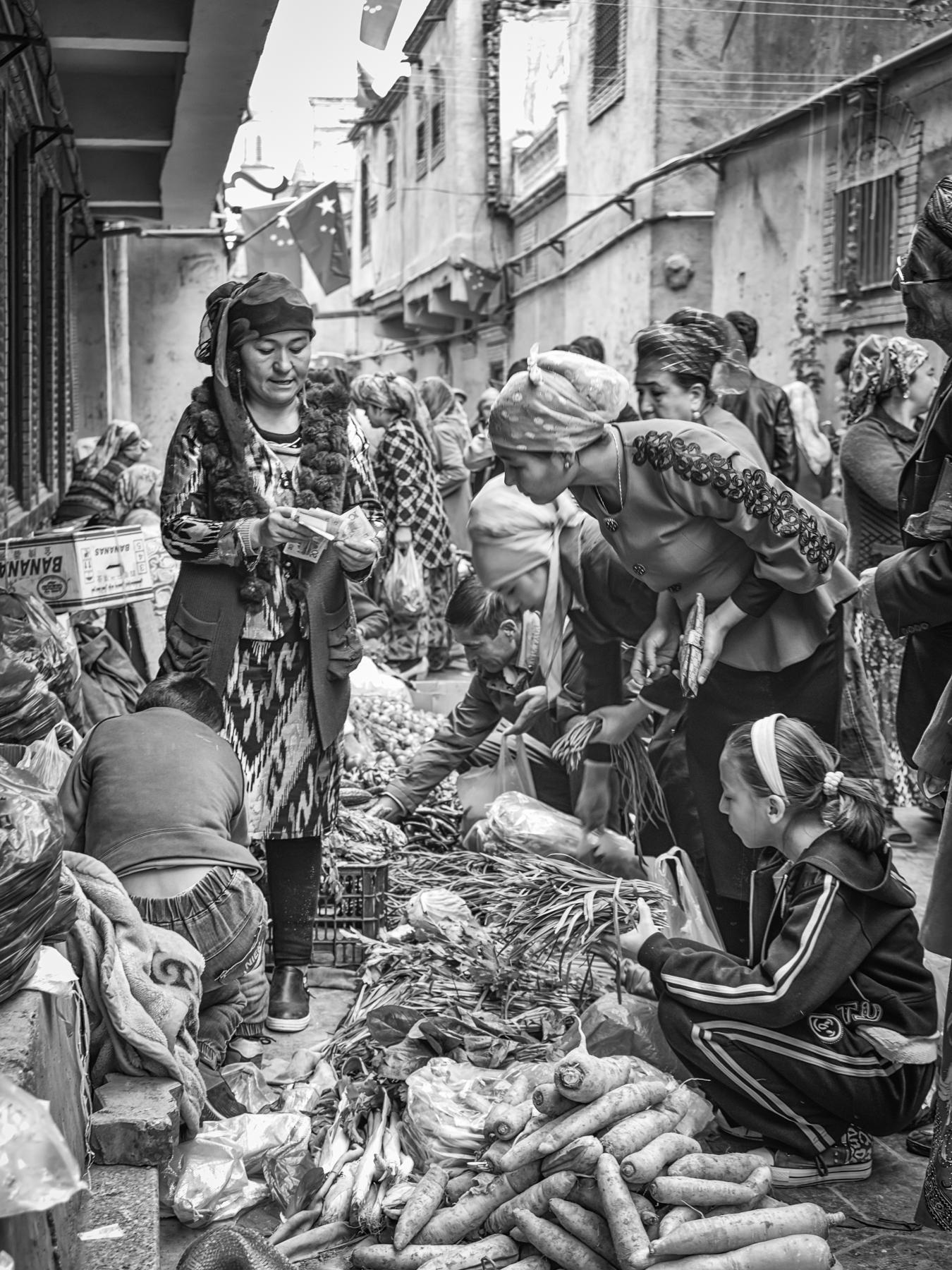 John_Eaton_Street Market Kashgar-5.jpg