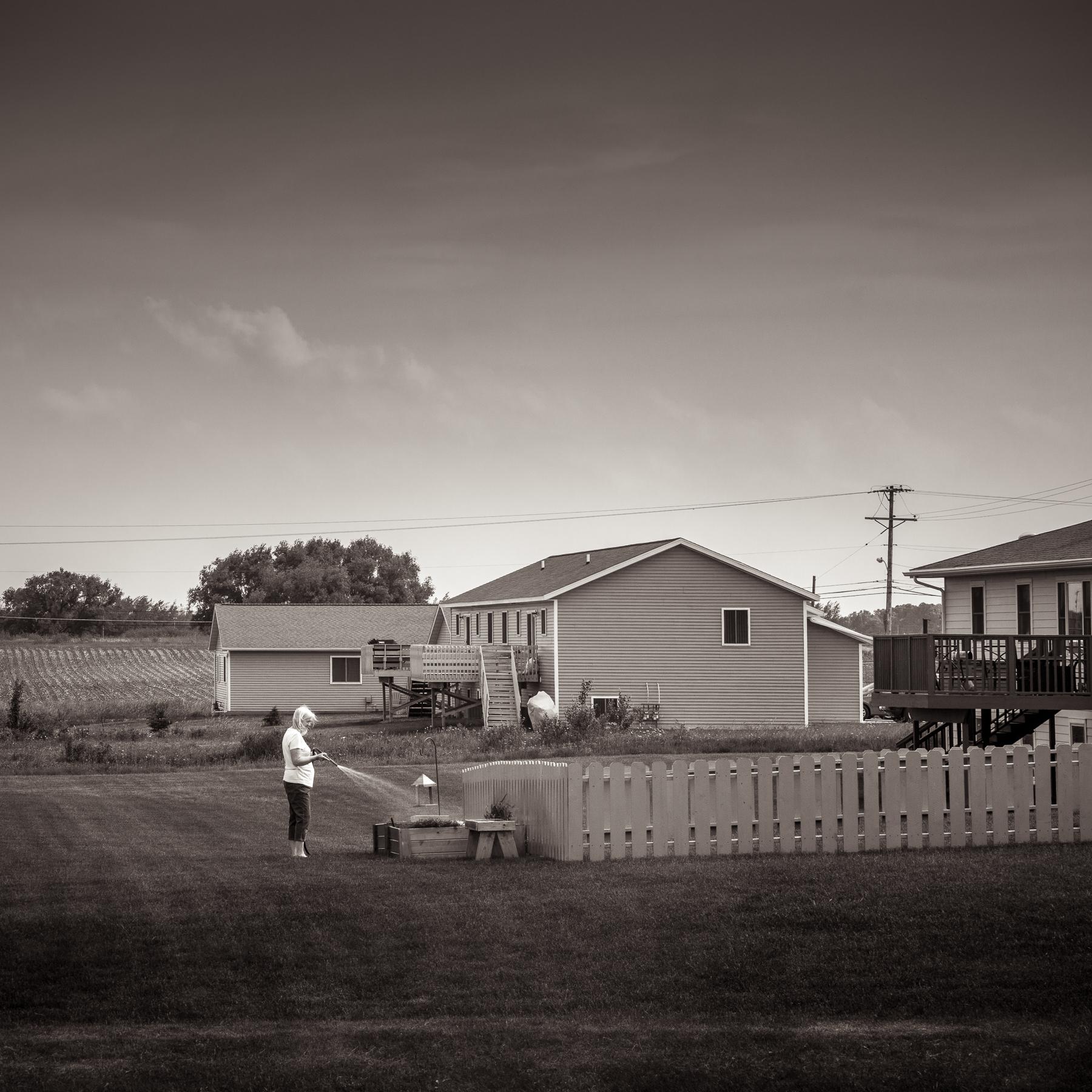 Michael_Knapstein_MidwestPeople_Backyard_4.jpg