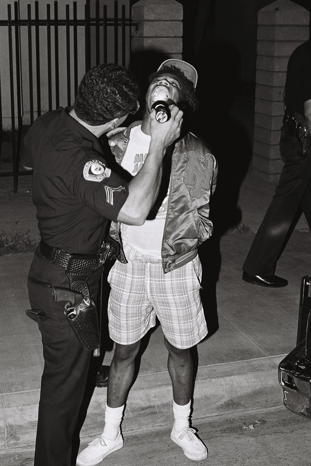 William_Valentine_PasadenaPD_Agent Salgado looking for rock cocaine_4.jpg
