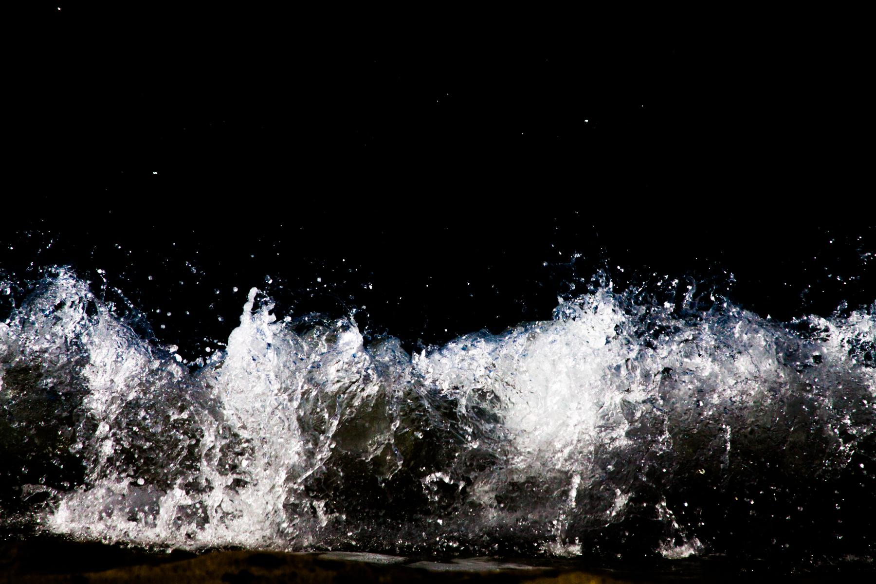 Anastasia_Kioulafa_Waves_Untitled-2.jpg