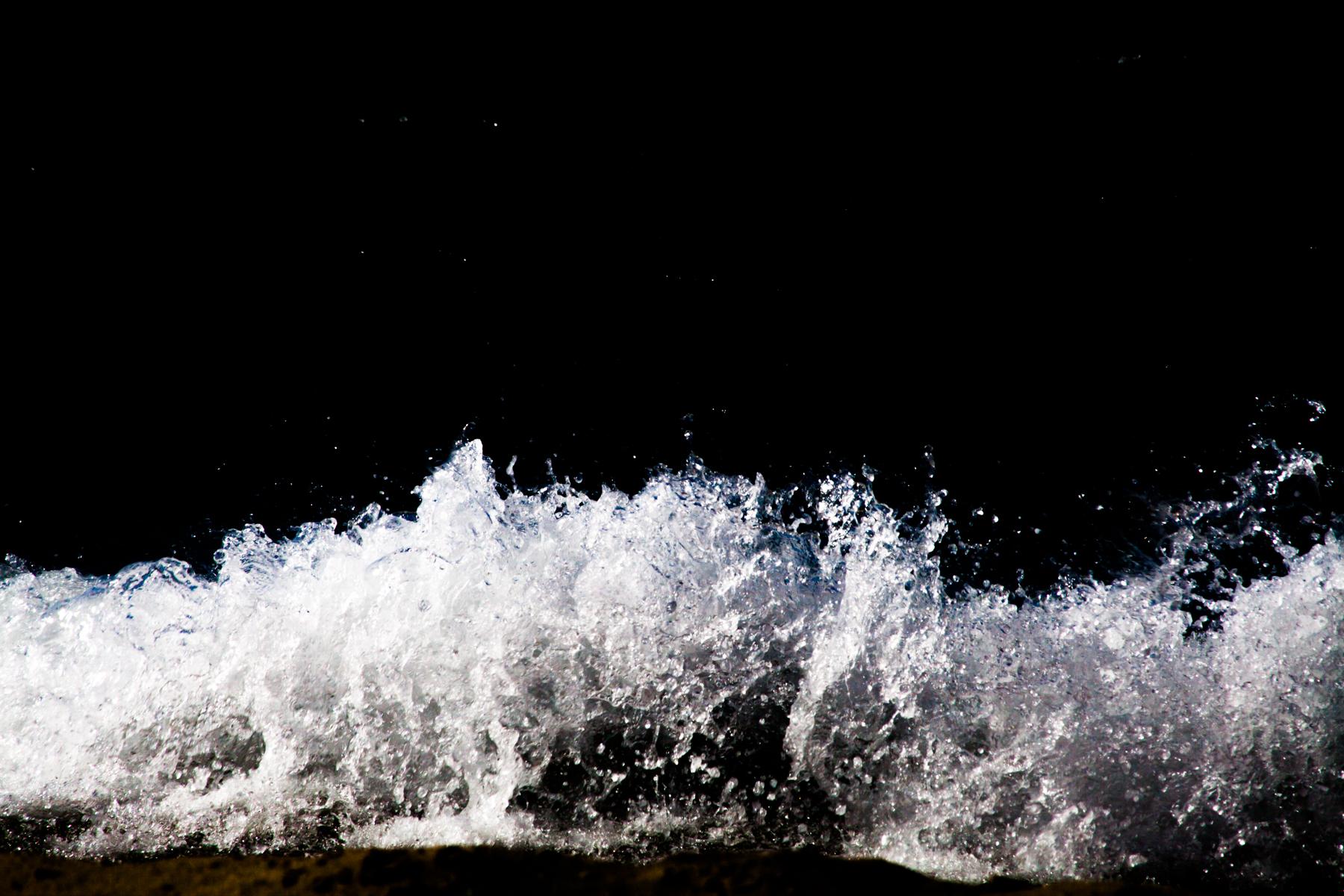 Anastasia_Kioulafa_Waves_Untitled-3.jpg
