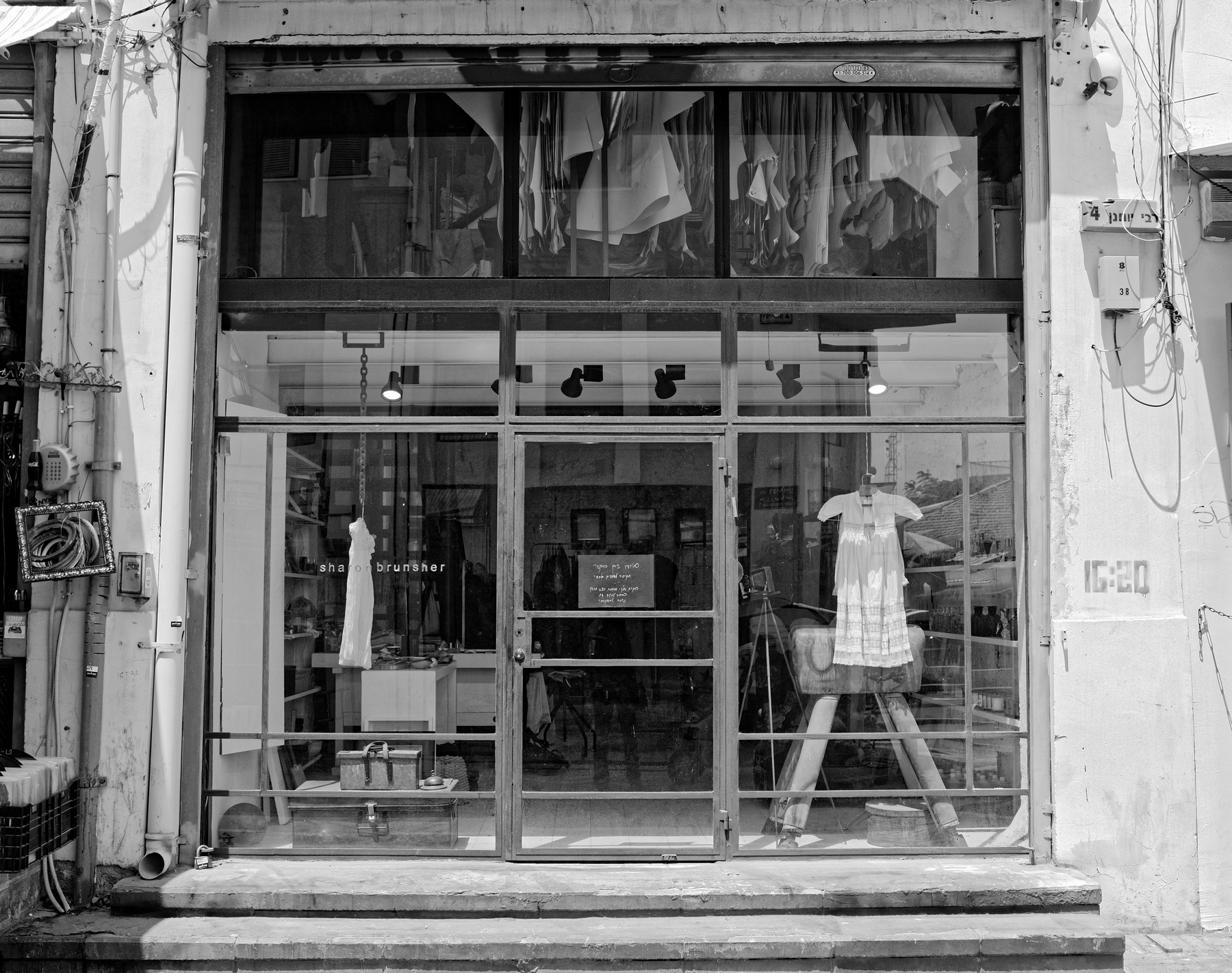 Haim_Blumenblat_Shopping Windows_Gowns_3.jpg