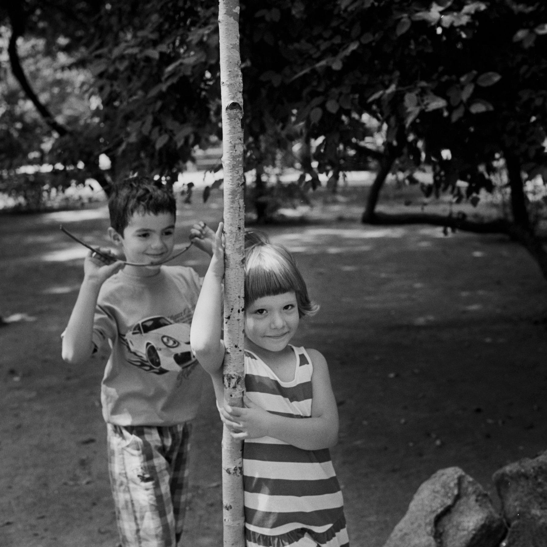 Margrieta_Jeltema_the shaded gardens of Bucharest_5.jpg