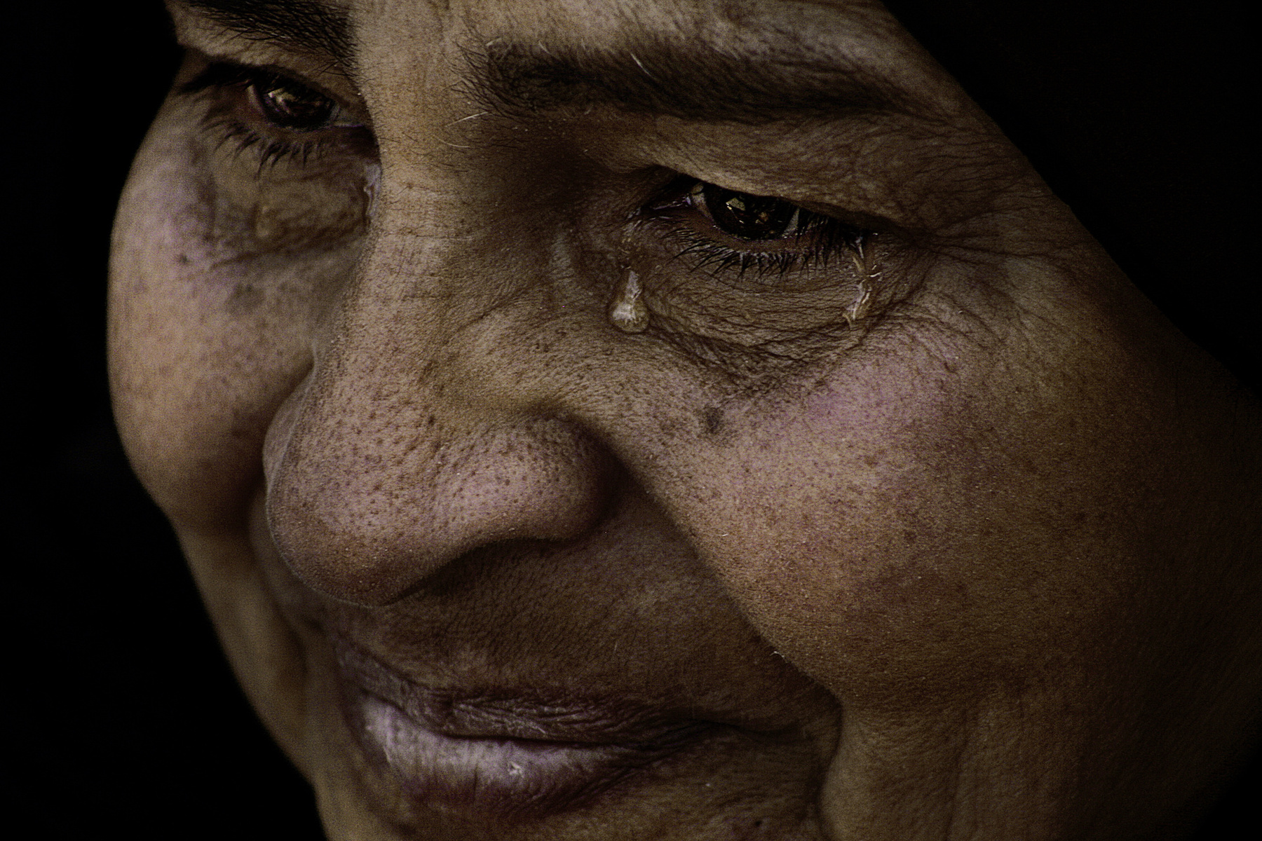 Laura_El-Tantawy_In the Shadow of the Pyramids_Safeya's Tears_05.JPG
