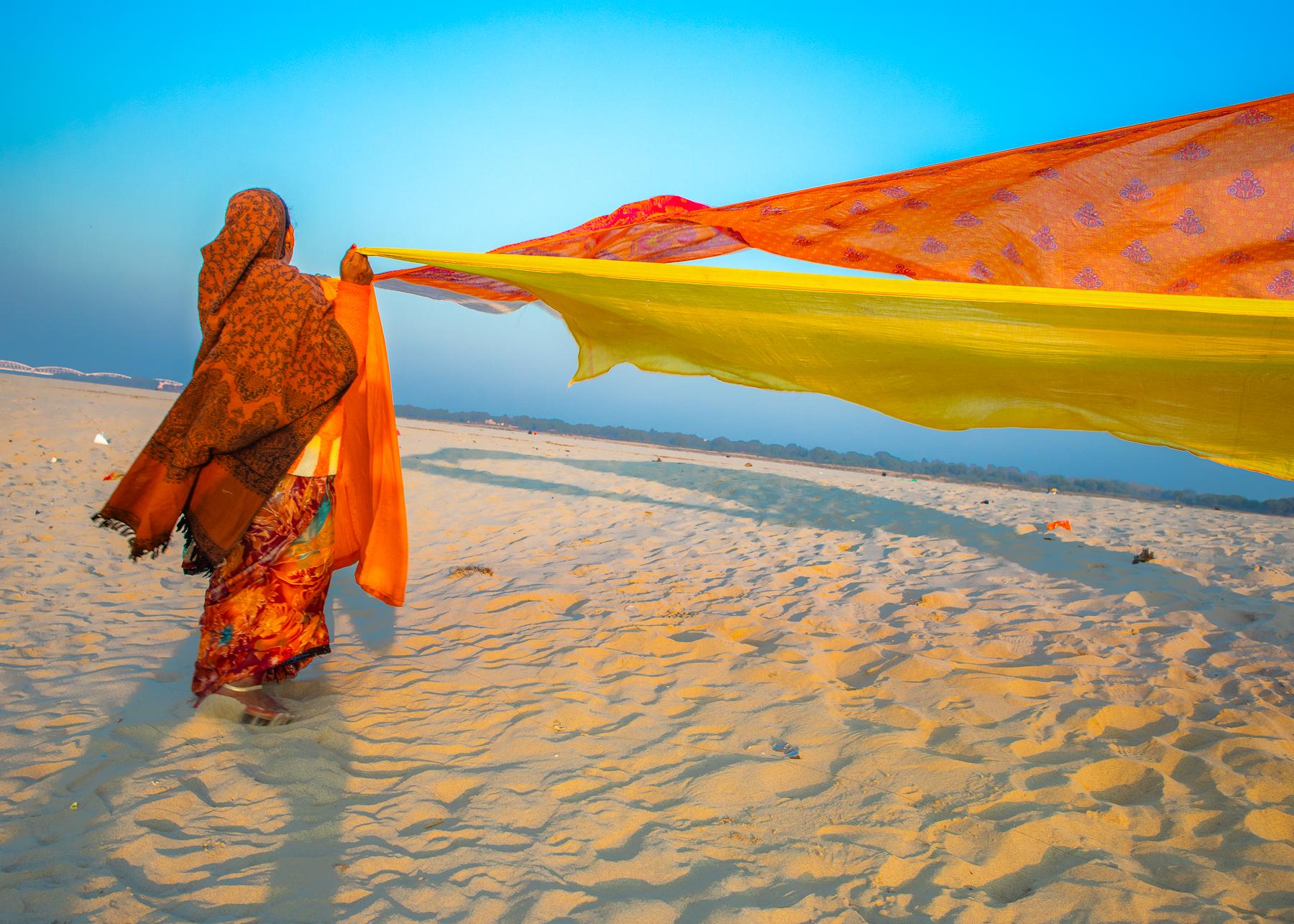 Diana_Berrent_Drying Saris on the Banks of the Ganges.jpg.jpg