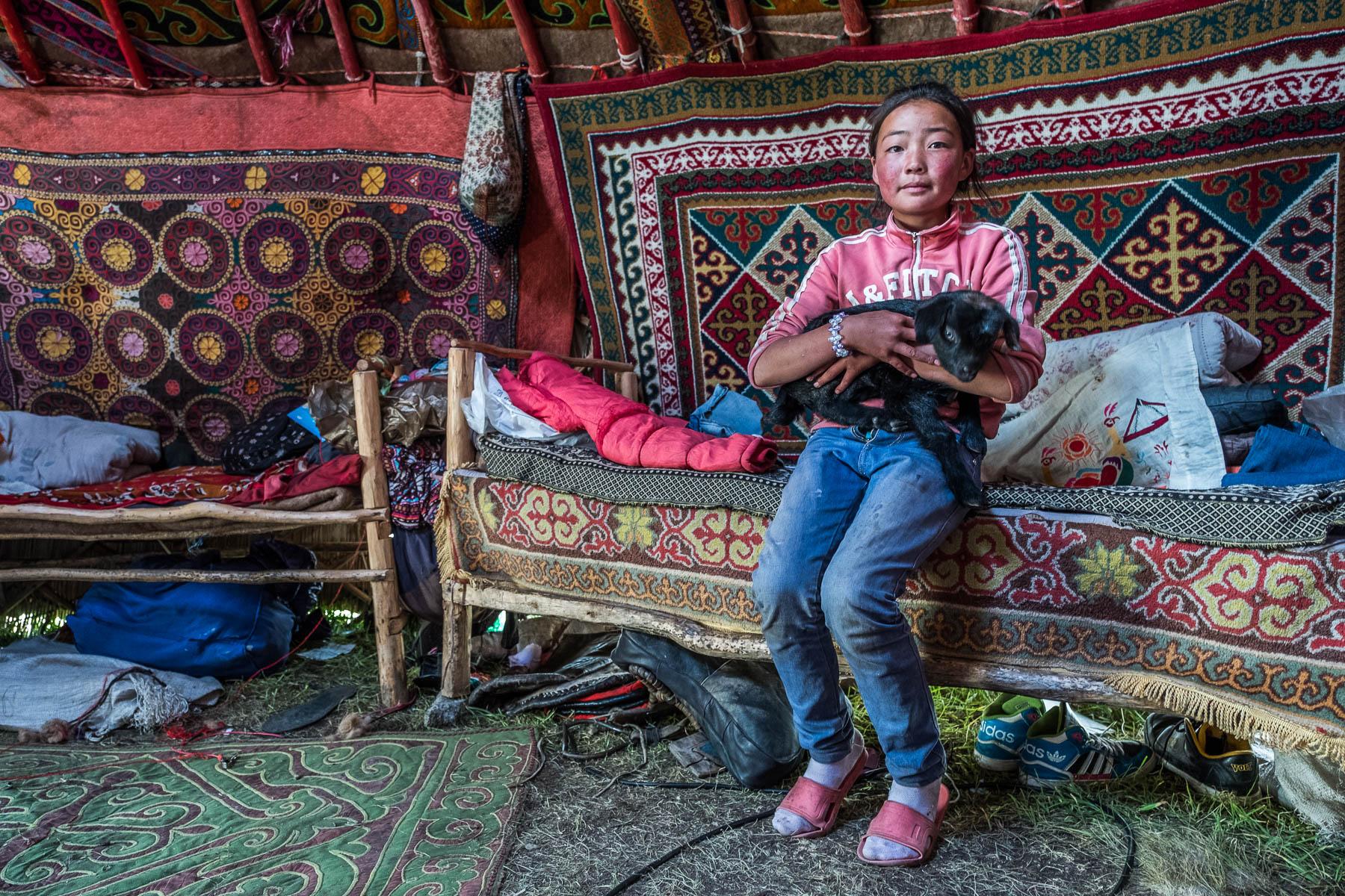France_Leclerc_KazakhChildreninWesternMongolia_MyHousePet_2.jpg