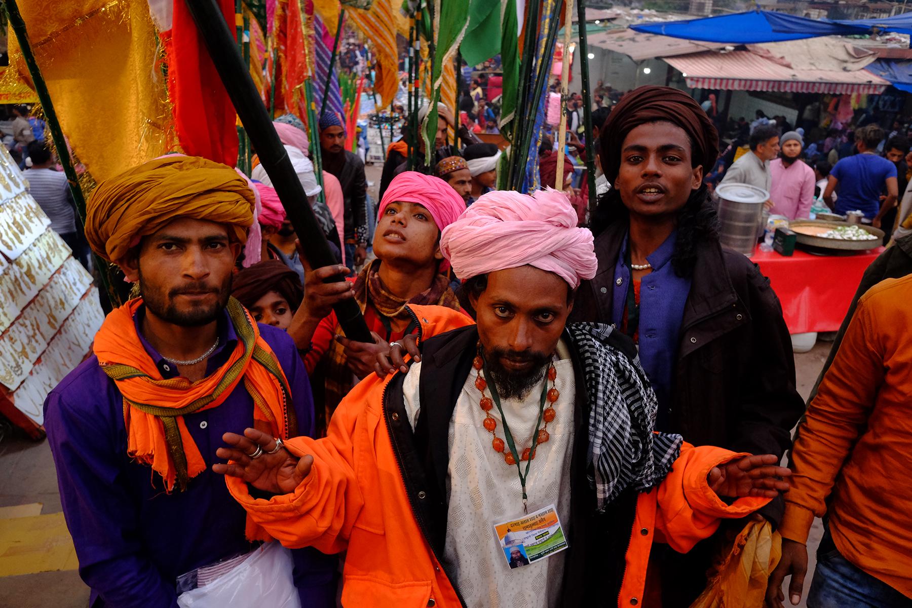 Robi_Chakraborty_procession.jpg