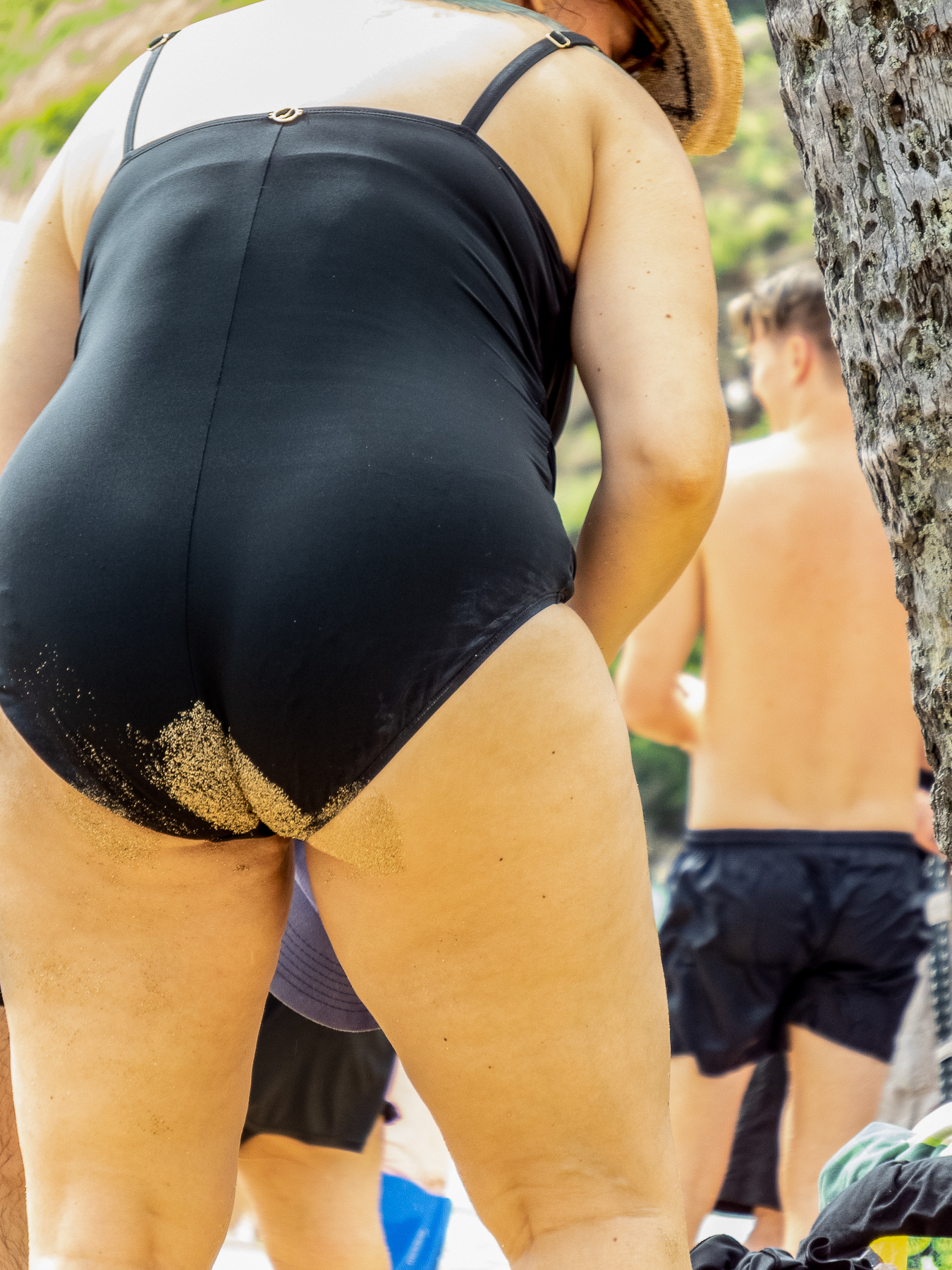 Sue_Henderson_At the Beach_Sandy Bottom_3.jpg
